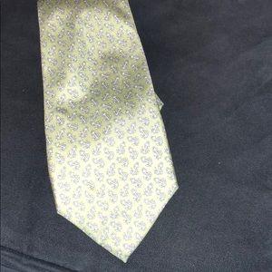Vineyard Vines anchor tie